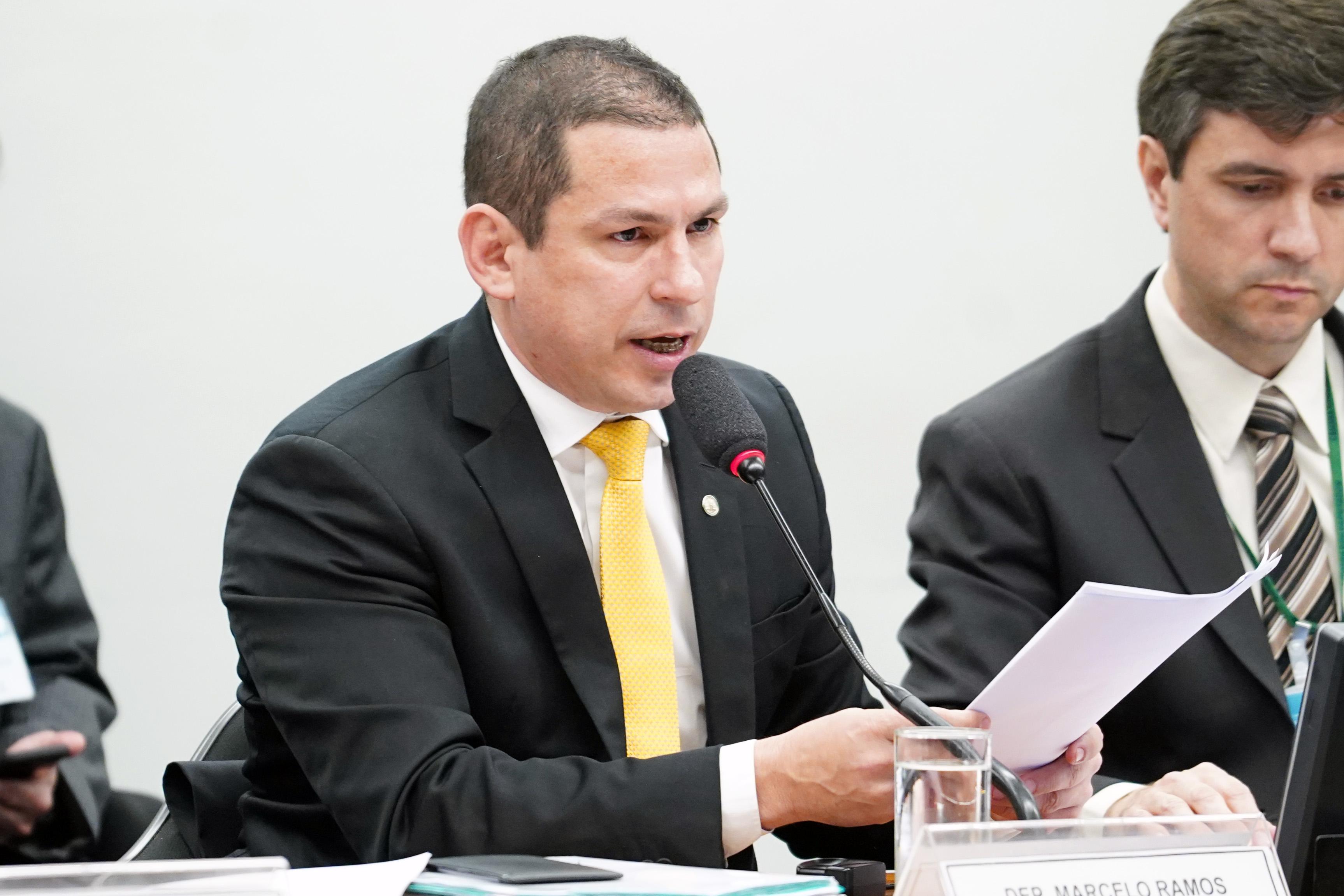 Reunião ordinária para votação do parecer do relator, dep. Samuel Moreira (PSDB-SP). Presidente da comissão especial, dep. Marcelo Ramos (PL - AM)